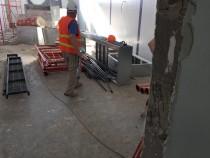 Процесс монтажа камеры окраски и сушки на Заводе по производству дизельных двигателей в столице Казахстана Астане