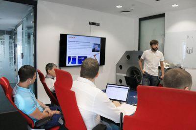 В офисе SPK GROUP прошла презентация промышленных роботов KUKA.