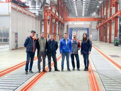 Сегодня наша делегация посетила крупнейший в России покрасочный цех в России площадью 2000 м2, построенный на Челябинском механическом заводе.