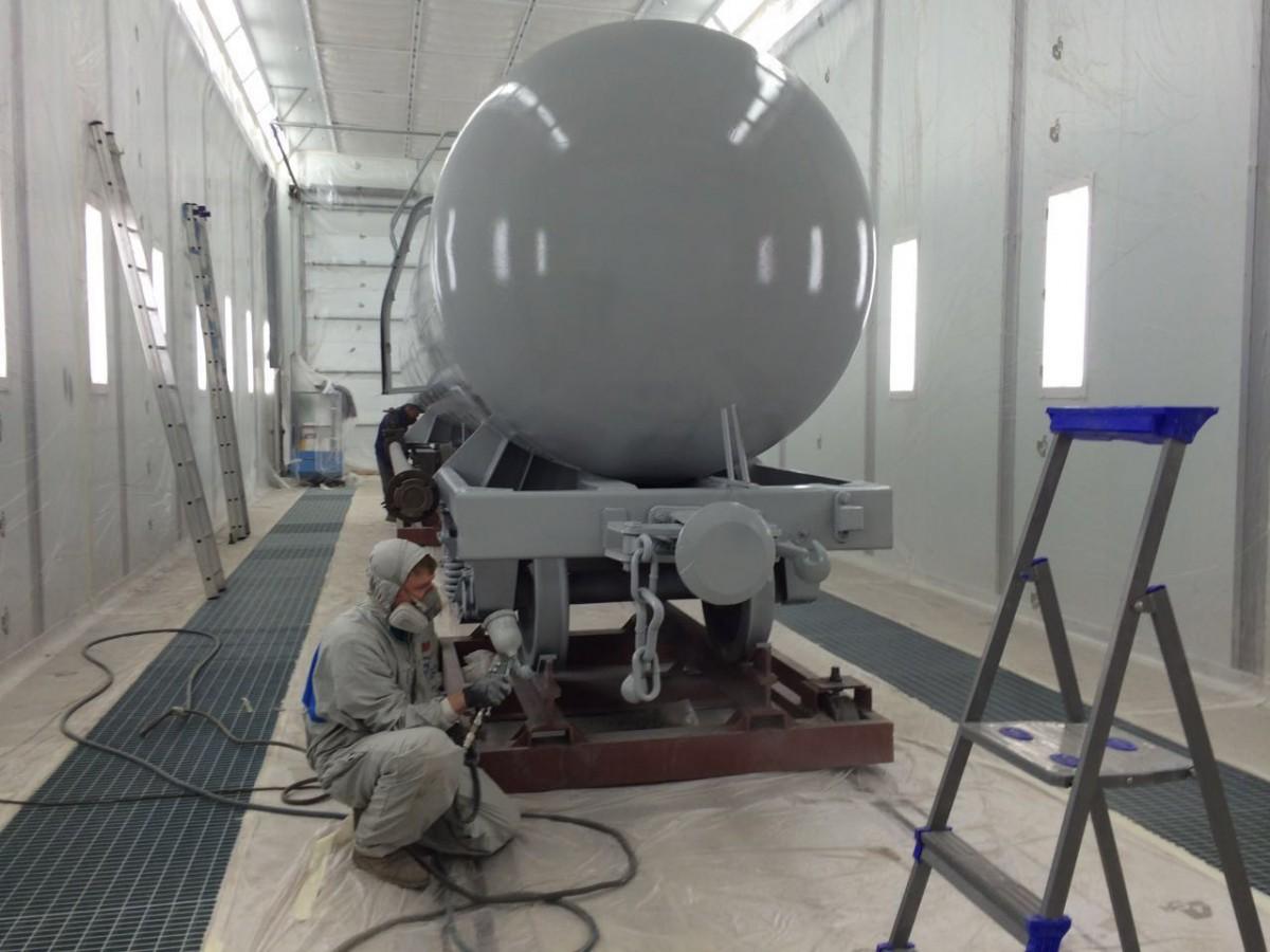 Окрасочно-сушильная камера для локомотивов. Цех реконструкции ж/д транспорта при Музее Свердловской железной дороги, г. Екатеринбург